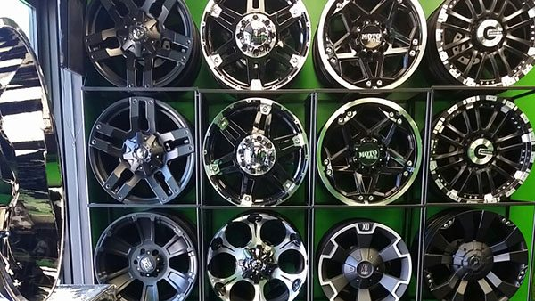 Lucky's Autosports - Wheels