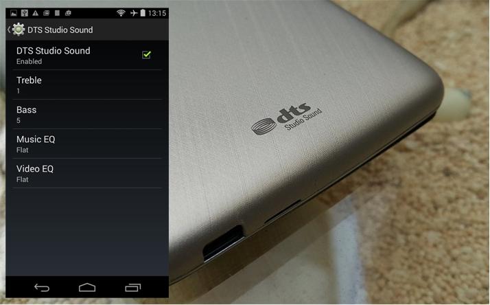 Z500 Dilengkapi Dual SIM GSM Dengan Format MicroSIM Yang Support Koneksi Data Sampai 35G HSPA Tentu Saja Sama Kebanyakan Smartphone