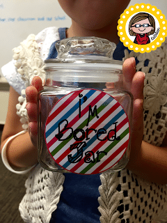 I'm Bored Jar! Keep your kiddos busy this summer with these fun ideas! Snag the FREEBIE!