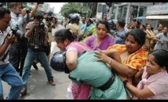 Indian Funnys Whatsapp Indian Funnys Women Fight On Public