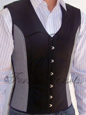 Ferrer Corsets two-tone waistcoat corset available in Jacquard, Gabardine and wool (R$ 750)