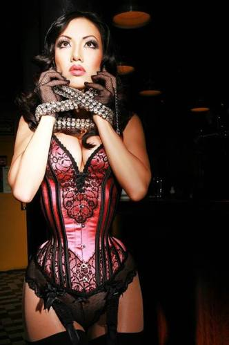 Lovesick Corrective Apparel 17″ custom overbust (Model: Jade Vixen)
