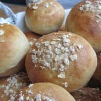 Oaty Bread Rolls