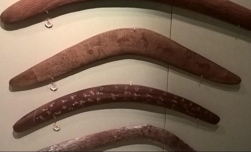 Boomerang aborigeni in legno