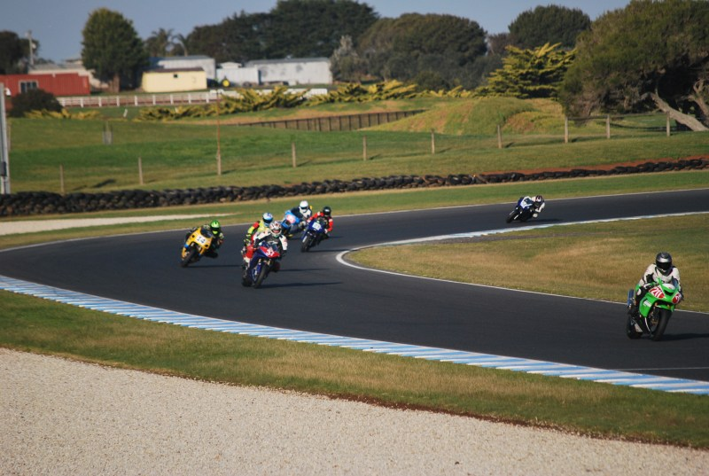 moto in corsa al grand prix circuit phillip island