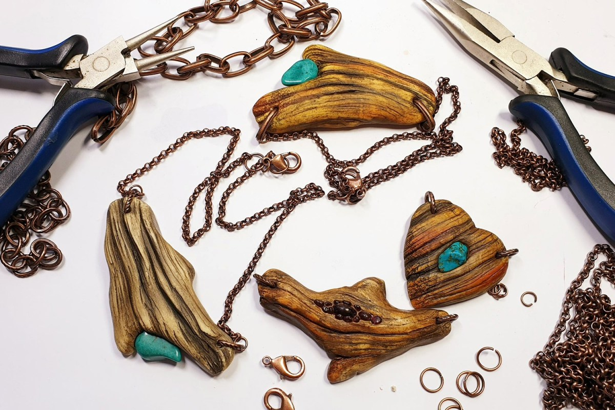 Paid Tutorial: Faux Driftwood Pendants with Turquoise stone 4