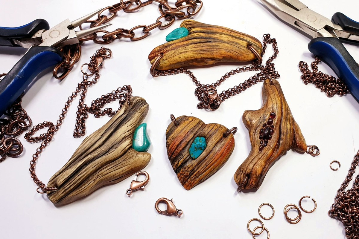 Paid Tutorial: Faux Driftwood Pendants with Turquoise stone 1