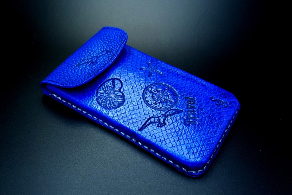 My 2nd handmade phone case from amazing polymer clay Fimo leather! 7