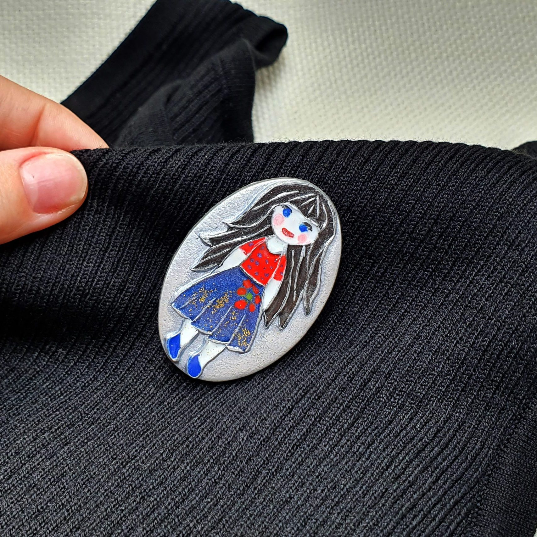 """Free video tutorial: How to make unique polymer clay Brooch """"Snow White"""". 2"""
