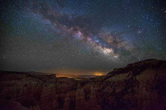 Foto av vintergatan från Fairyland Canyon