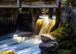 Långasjönäs ruin - vatten under bron - Ludwig Sörmlind