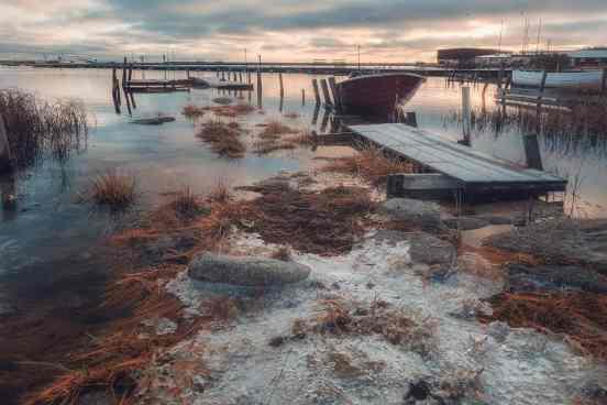 Högvatten i Hälleviks hamn - Ludwig Sörmlind