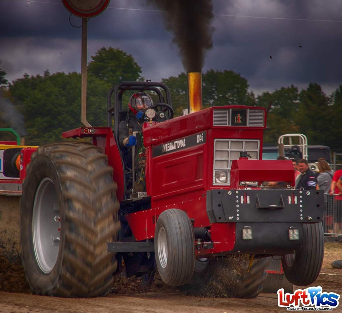C:\Users\User\Desktop\Tractor-Pulling\Sport\Red Obsession.jpg