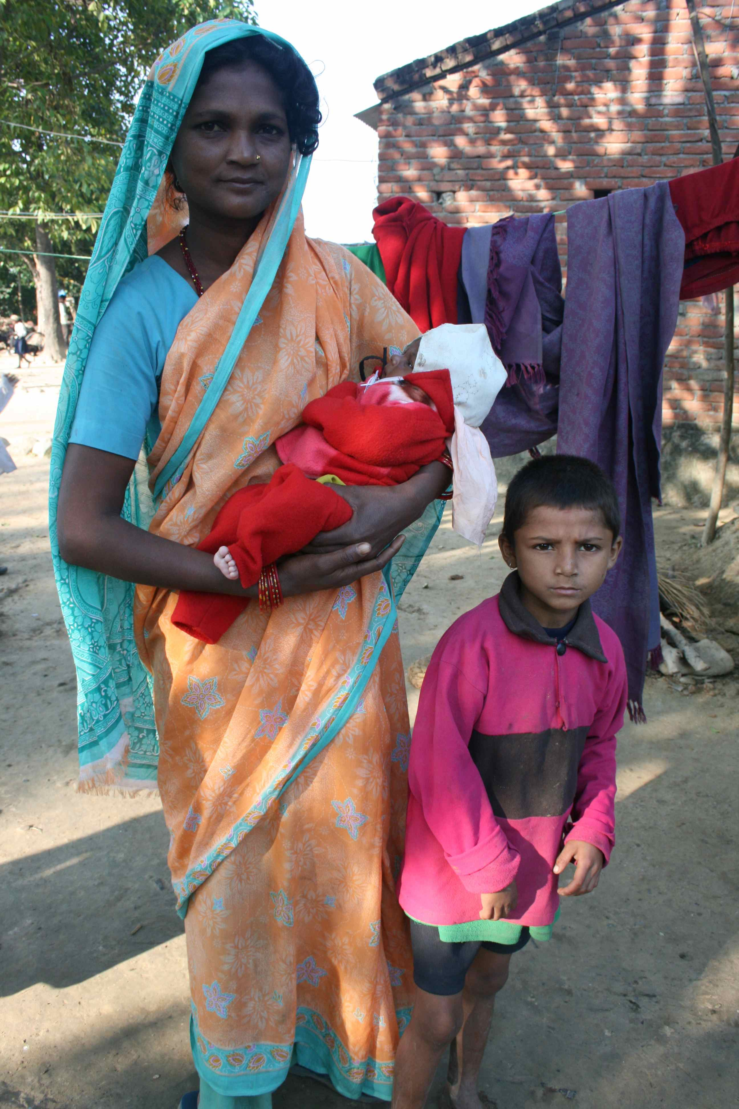 Shanti med sine to sønner