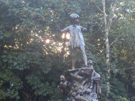 La estatua de Peter Pan en Kensington Gardens