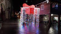 El Gran Regalo de la Plaza del Ayuntamiento de Porriño - Alumbrado Navidad Porriño 2018