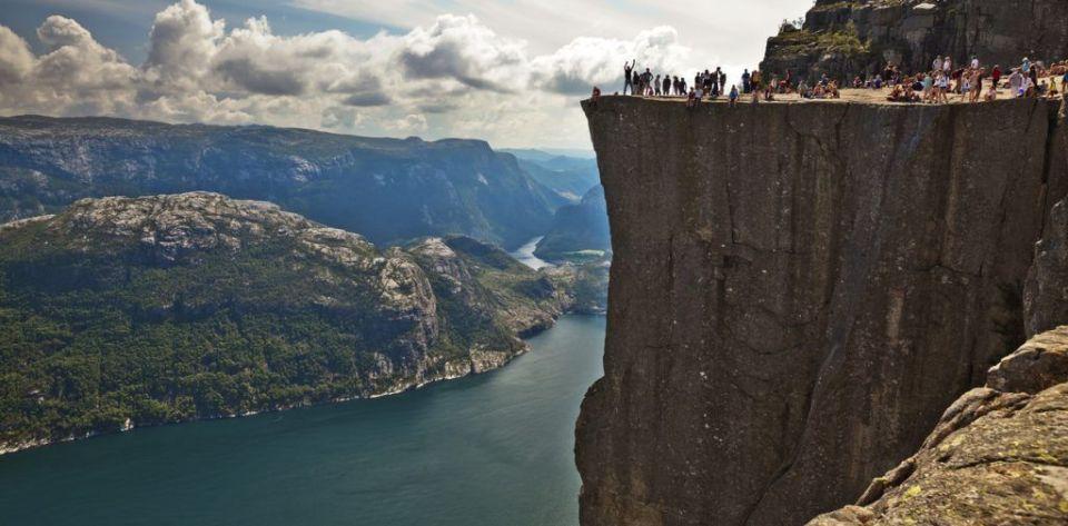 Preikestolen, acantilados costeros de Europa (Noruega)