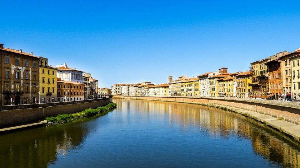 Río Arno, en Pisa