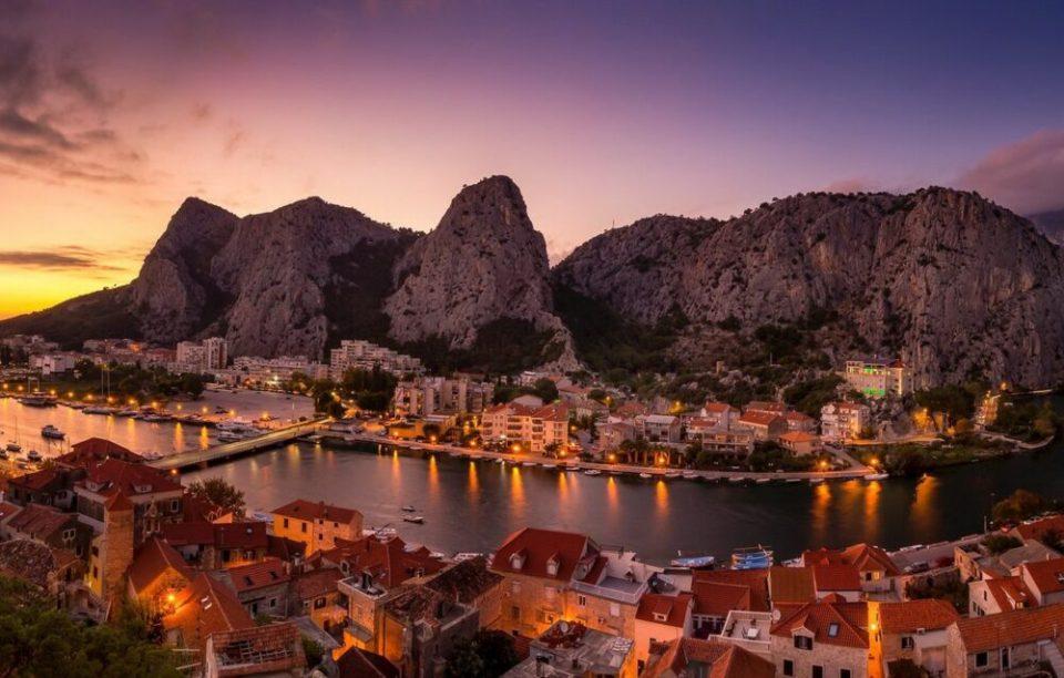 Omis, pueblo costero de Croacia