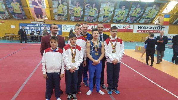Lugoj Expres Salbă de medalii pentru gimnaștii de la CSȘ Lugoj la Campionatul Național Individual pentru juniori I și II Salbă de medalii pentru gimnaștii de la CSȘ Lugoj gimnaștii lugojeni 12 medalii CSȘ Lugoj Campionatul Național Individual de gimnastică pentru juniori I și II.
