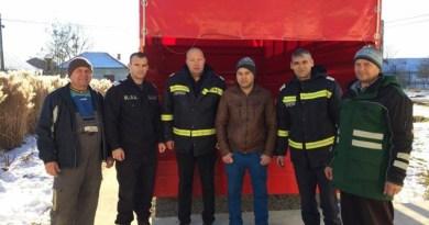 Lugoj Expres Pompierii lugojeni, gest umanitar pentru o familie din Pietroasa pompierii lugojeni ISU Timiș incendiu gest umanitar Detașamentul de Pompieri Lugoj