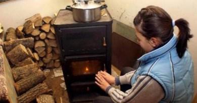 Lugoj Expres Ajutoare pentru încălzirea locuinței. Plafonul de venit a fost majorat venituri reduse venit subvenții sezonul rece plafon Lugoj lemne încălzirea locuinței încălzire iarnă gaze naturale energie electrică DASC Lugoj beneficiari asistență socială ajutoare