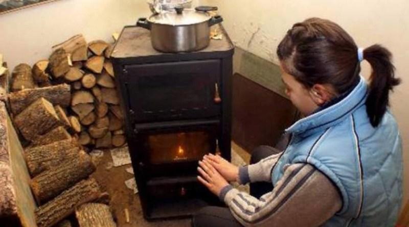 Lugoj Expres Ajutoare pentru încălzirea locuinței, pentru cetățenii cu venituri reduse venituri reduse venit subvenții sezonul rece Lugoj lemne încălzirea locuinței încălzire iarnă gaze naturale energie electrică DASC Lugoj beneficiari asistență socială ajutoare