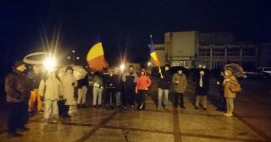 Lugoj Expres Lugojenii, protest... de sub umbrele protest lugojenii protestează lugojenii protest de sub umbrele Lugoj corupție