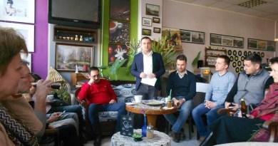 Lugoj Expres Uniunea Salvați România vrea să construiască o filială puternică la Lugoj USR vrea să construiască o filială puternică la Lugoj USR Timiș Uniunea Salvați România simpatizanții USR din Lugoj Nicu Fălcoi Cătălin Drulă