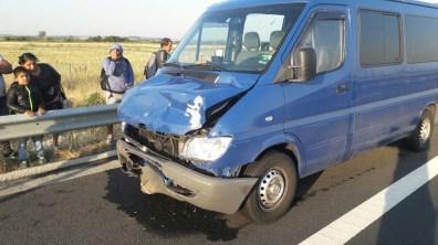 Lugoj Expres Accident pe autostrada A1. Un microbuz a lovit un autoturism trei răniți microbuz coliziune pe autostradă cetățeni bulgari autoturism autostrada A1 accident