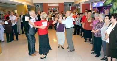 Lugoj Expres Balul seniorilor 2017. Invitații pentru 400 de persoane peste 65 de ani persoane vârstnice Lugoj invitații Direcția de Asistență Socială Comunitară Lugoj balul seniorilor