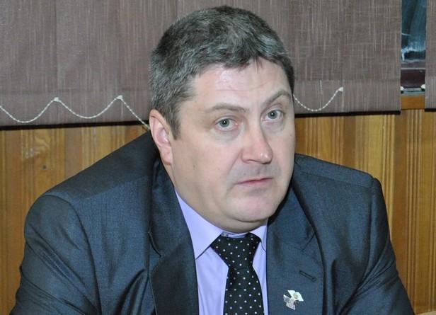 Lugoj Expres Claudiu Chebici, fostul șef al poliției Lugoj și Poliției Făget, numit consilier personal al primarului Francisc Boldea primăria lugoj fost polițist consilierul primarului consilier personal comisar șef Claudiu Chebici