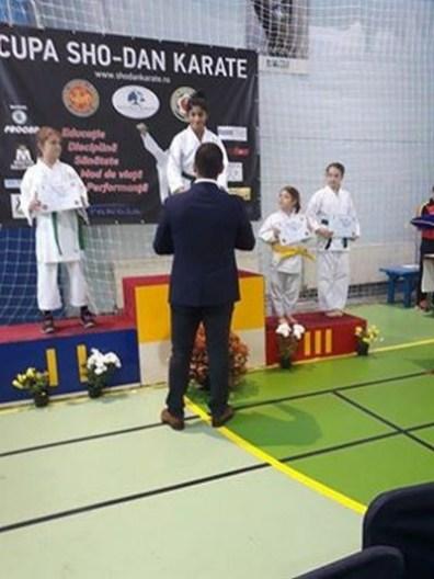 Lugoj Expres Micii karateka lugojeni, medaliați la Timișoara micii karateka din Lugoj medalii karate Cupa Sho-Dan