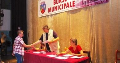 Lugoj Expres Burse municipale pentru elevii lugojeni elevii lugojeni burse sportive burse municipale burse civic-culturale