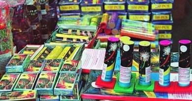 Lugoj Expres Peste 1.800 de articole pirotehnice, confiscate în piața din Lugoj Polițiști petarde dosar penal articole pirotehnice