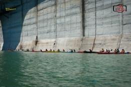 Lugoj Expres Cel mai mare eveniment sportiv dedicat comunității caiaciste din România: Bicaz Kayak Fest mișcare eveniment eskimo-rolling concursuri comunitatea caiacistă caiac Bicaz Kayak Fest Barajul Bicaz ambarcațiuni