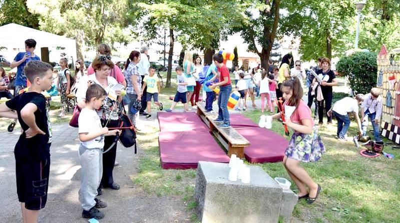Lugoj Expres Ziua Copilului! O mulțime de surprize și distrație maximă pentru cei mici Ziua Copilului teatru interactiv surprize Parcul George Enescu distracție Clubul Copiilor Lugoj