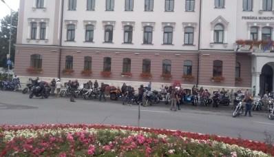 Lugoj Expres Motocicliștii și-au turat motoarele pe străzile Lugojului (FOTO) spectacol Rock pe 2 Roți Road Patrol MC Lugoj paradă moto paradă motocicliști festival