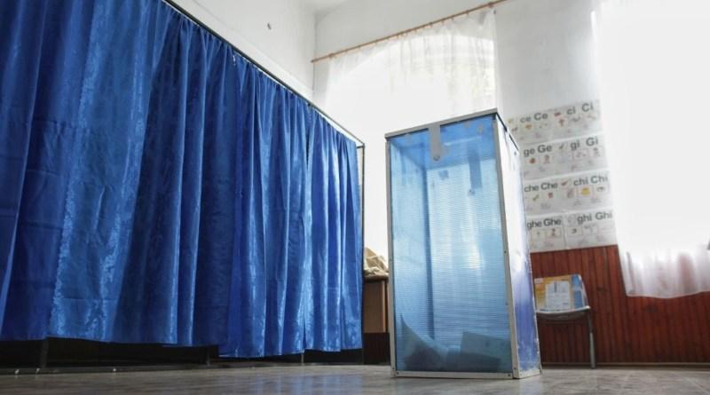 """Lugoj Expres Rezultate referendum! La Lugoj, 6.488 de persoane au votat """"DA"""" secții de votare rezultate revizuirea Constituției referendum redefinirea familiei Lugoj Constituție"""