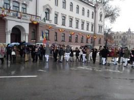 Lugoj Expres Lugojenii au sărbătorit Mica Unire... printr-o Horă Mare Unirea Moldovei unire Țara Românească Mica Unire Lugojana Lugoj hora unirii eveniment dansatori centru Lugojului