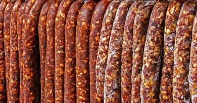 Lugoj Expres Degustarea cârnaților bănățeni, de Ziua Îndrăgostiților, la Buziaș Worschkoschtprob festival culinar degustare cârnați Buziaș Banater Zeitung