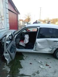 Lugoj Expres Accident grav, la Hitiaș. Două femei au ajuns la spital vătămare corporală șoferiță neatentă neacordare prioritate infracțiune Impact violent Hitiaș femei rănite DJ 592D DJ 572 accident