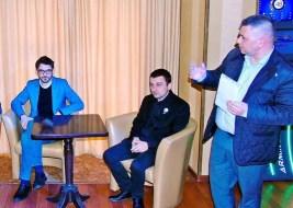 Lugoj Expres Candidații Alianței 2020 USR PLUS la alegerile europarlamentare s-au întâlnit cu lugojenii USR Timiș USR Lugoj USR semnături PLUS întâlnire cort candidați Alianța 2020 alegeri europarlamentare