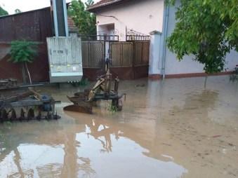 Lugoj Expres Inundații și la Bodo și Babșa precipitații abundente pompieri ploi pericol ISU Timiș inundații fenomene meteo drum inundat Bodo Bega Balinț Babșa apă