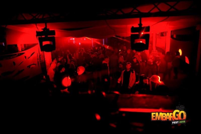 Lugoj Expres Încep serile Embargo Hub! Ateliere de graffiti, expoziții, concerte, teatru și degustări de produse tradiționale teatru produse tradiționale expoziții eveniment Embargo Hub Embargo Fest Dudețtii Vechi degustări concerte Ateliere de graffiti