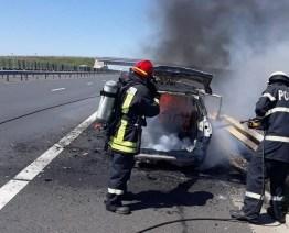 Lugoj Expres Mașină cuprinsă de flăcări, pe autostrada A1 Timișoara pompieri mașină Lugoj ISU Timiș intervenție incendiu flăcări autoturism ars autostrada A1 Autostrada A1