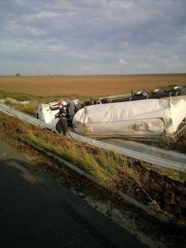 Lugoj Expres Autocisternă răsturnată, pe autostrada A1 praf de ciment intervenție autostrada A1 Autostrada autocisternă răsturnată accident A1