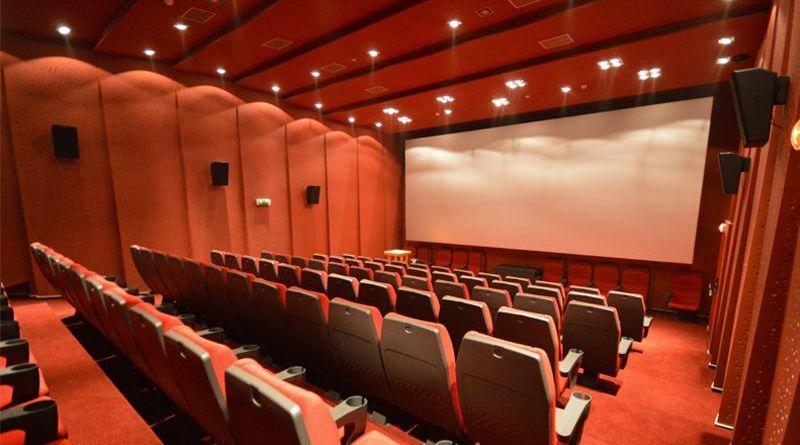 Lugoj Expres Consiliul Local Lugoj, în ședință, la cinematograf. 11 proiecte de hotărâri pe ordinea de zi vânzare teren ședință proiecte hotărâri construire supermaret Lidl Consiliul Local Lugoj comisia tehnică de amenajarea teritoriului cinematograful Bela Lugosi bugetul local
