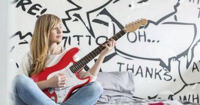 Lugoj Expres Top 5 PASIUNI pe care le au adolescenții din LUGOJ vlogging sport produse handmade pasiuni muzica Lugoj lectură instrumente muzicale fotografia dans chitară blog adolescenți