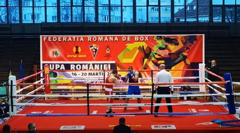 Lugoj Expres Boxerii de la CSM Lugoj - 2 medalii de argint la Cupa României Ștefan Gomoescu Samuel Zoli Gruia Roland Denis Berciu medalii de argint Lugoj Cupa României CSM Lugoj boxerii lugojeni box
